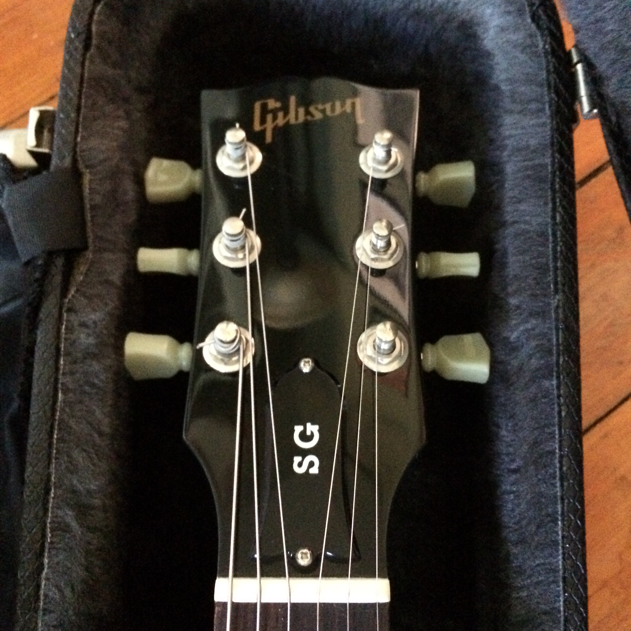 Steven Queen City Guitar Epiphone Les Paul Custom Here Is An Example Of Modern And 50 S Wiring Gibson Customer Support Bless Their Souls Provided That According To Records It Started Life As A 2001 Sg Special In Platinum
